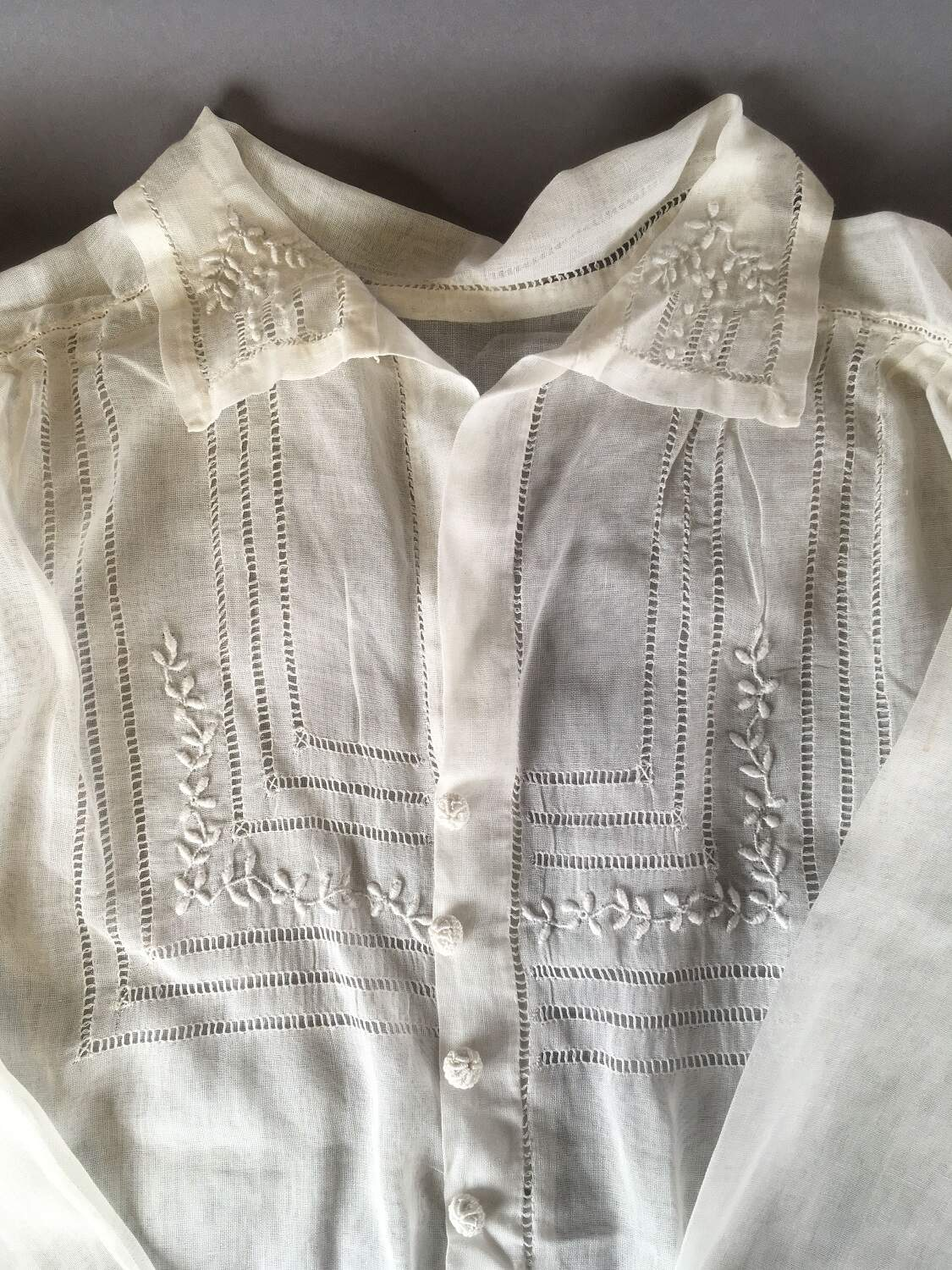 Embroidered blouse by Maud Pentland, completed at the Edinburgh College of Domestic Science, © City of Edinburgh Council Museums & Galleries