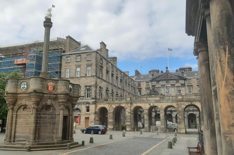 Edinburgh City Chambers with west wing where the original museum was located