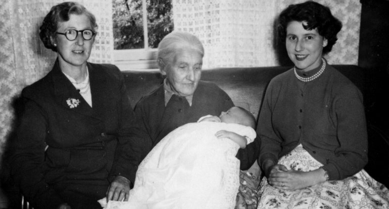 Parry Family from Broxburn 1957