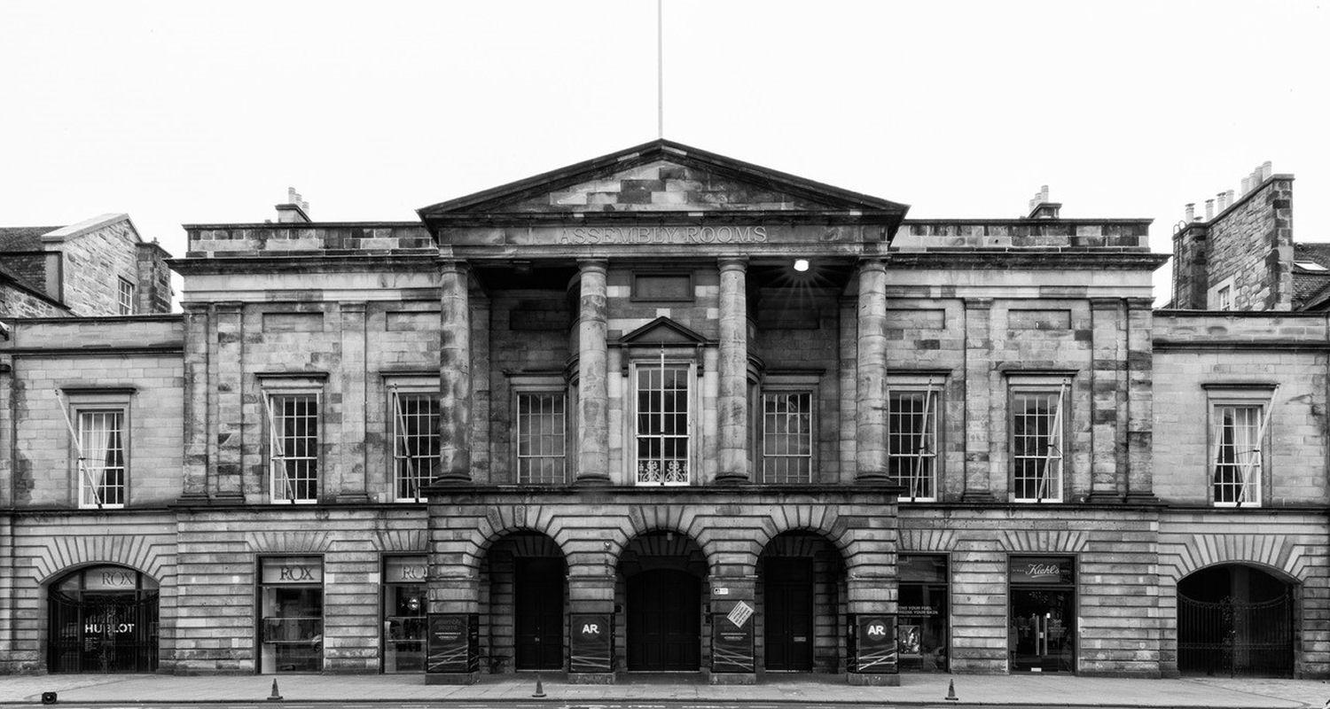 PHOTOGRAPHY TOURS – LOOKING AT CLASSICAL EDINBURGH