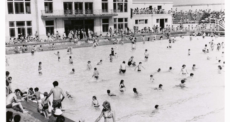 Swimmers at Portobello outdoor pool