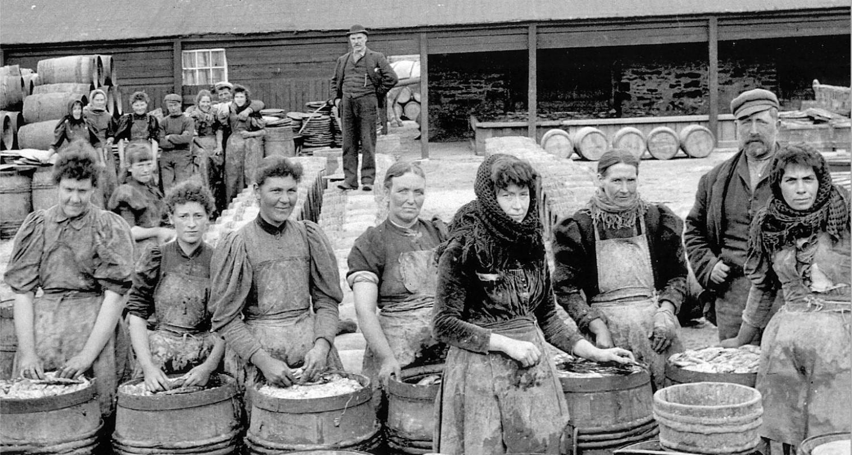 Scottish-Women-Herring-Workers