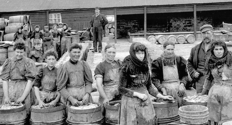 Scottish-Women-Herring-Workers