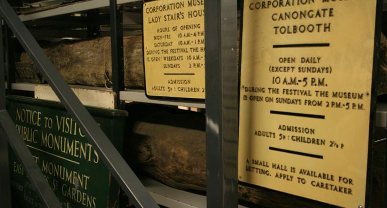 Old Museum Opening Hours Signs