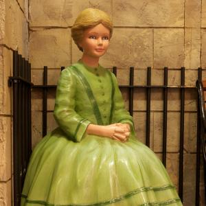 Green lady at Museum of Childhood